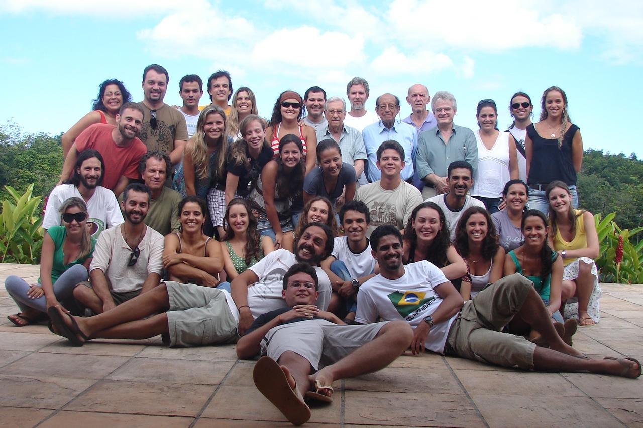 Turma 1 - foto oficial, com a ilustre presença dos mestres Milton Thiago de Mello, Adhemar Coimbra-Filho, Anthony Rylands, Alcides Pissinatti.